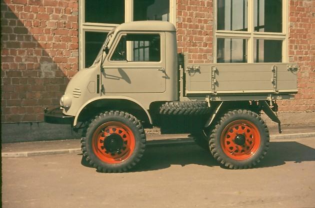Werksbild Unimog 25 (Froschauge) mit Hilfskipppritsche