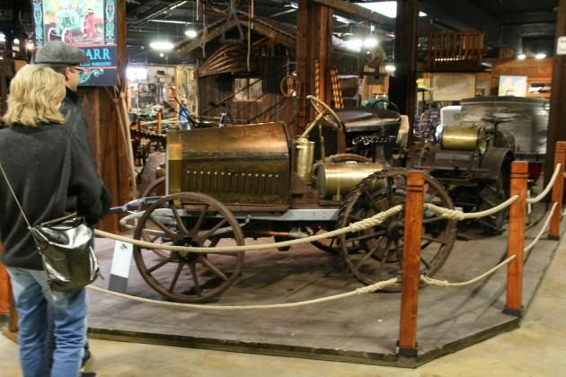 Etwa aus dem Jahr 1906 stammt dieser Traktor aus Gaggenau