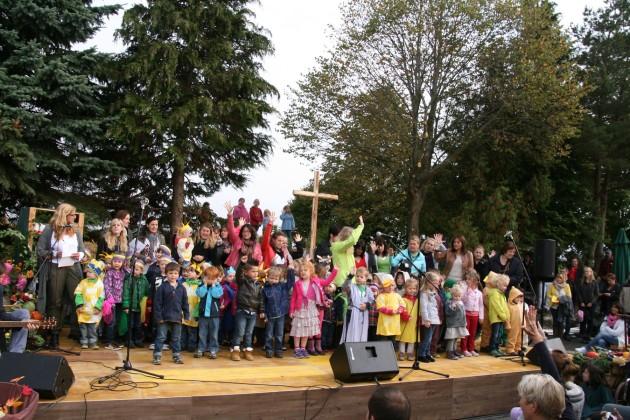 Viele Kinder wirkten beim Gottesdienst mit