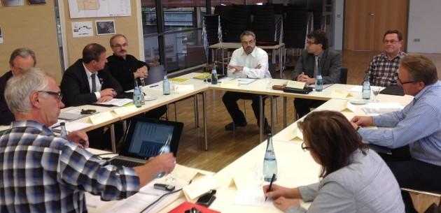 Claudio Lazzarini (Mitte) leitet neu das Kuratorium Unimog-Museum    Foto: Carl-Heinz Vogler
