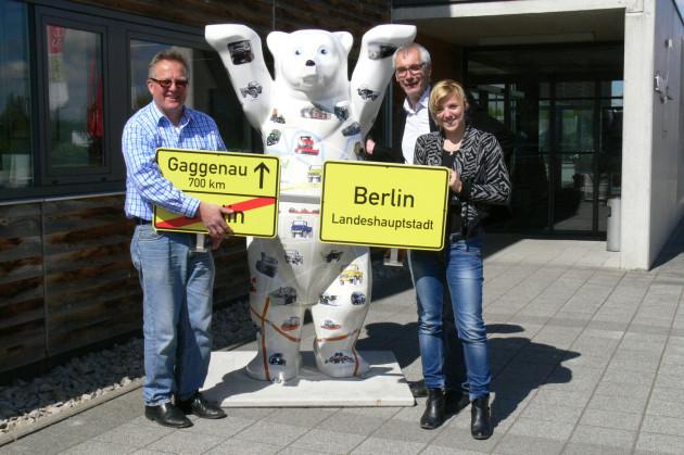 """Hans-Rüdiger Endres gestaltete diesen Berliner """"Buddy Bär"""" mit Unimog-Strichzeichnungen und schenkte ihn dem Museum"""