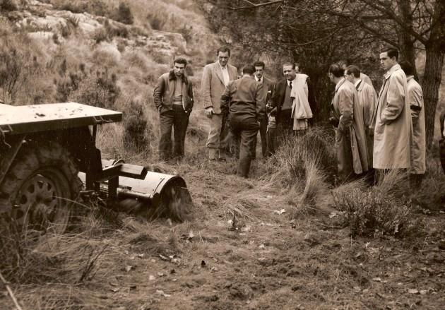 Bearbeitung des Geländes mit dem ROTAVATOR von Eberhardt