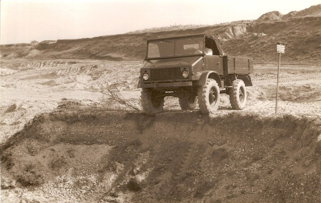UCOM Unimog-S 11 1954 Kies- Daimler