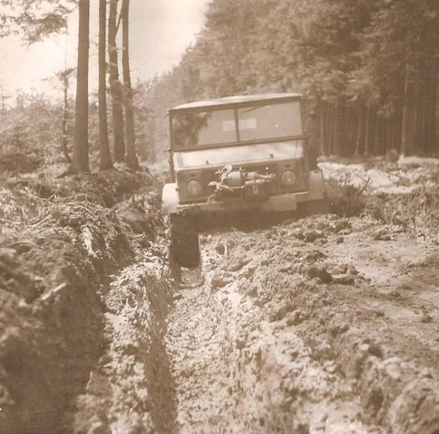 UCOM Unimog-S Bodenfreiheit 1 - Daimler