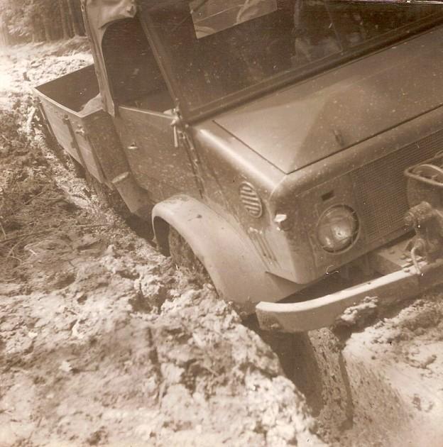 UCOM Unimog-S Bodenfreiheit 2 - Daimler