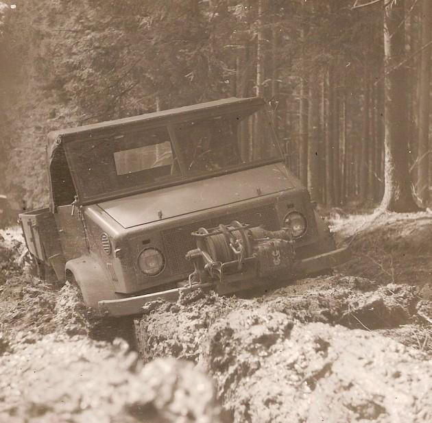 UCOM Unimog-S Bodenfreiheit 3 - Daimler