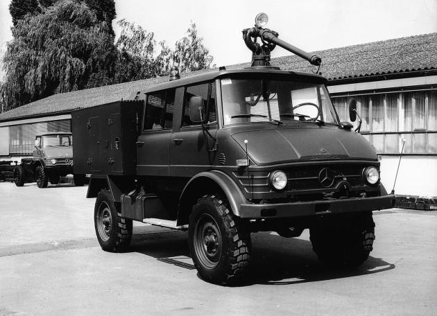 Unimog S, Baureihe 404.0, Trockenlöschfahrzeug TroLF 500 mit Total-Aufbau für die Luftwaffe der Niederlande