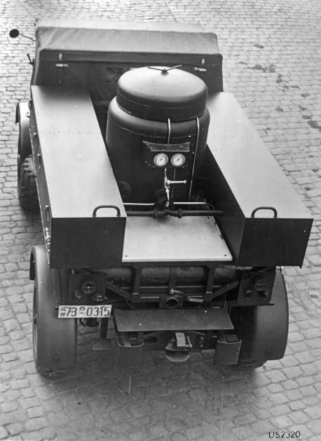 Unimog S, Baureihe 404.1 Trockenlöschfahrzeug TroLF 750 mit Total Aufbau