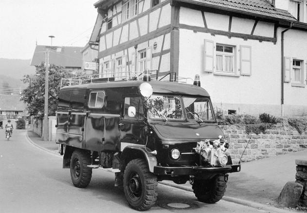 Unimog S, Baureihe 404.1 Löschgruppenfahrzeug LF 8-TS mit Metz Aufbau. Das Bild wurde im Gaggenauer Stadtteil Michelbach aufgenommen.