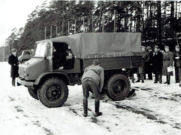 Erwin Moll stellt den Unimog-S vor