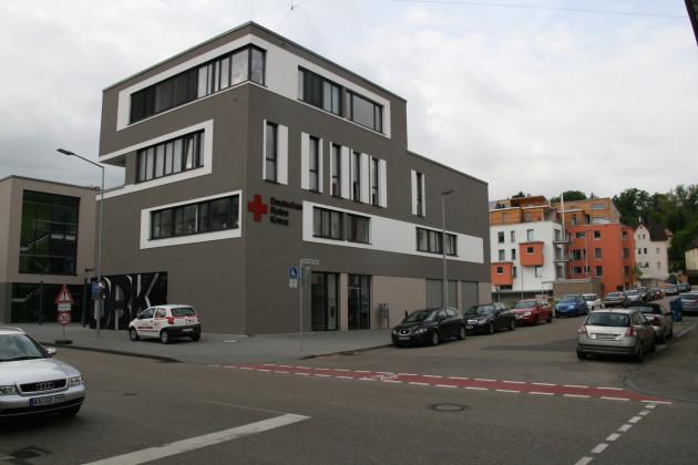 Die schmucke DRK-Zentrale an der Stelle des früheren Verwaltungsgebäudes von Erhard & Söhne