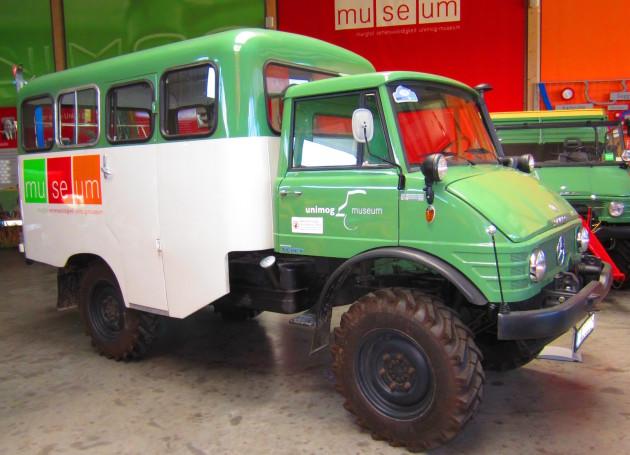 U 416 mit Bus-Sonderaufbau, Baujahr 1965, 80 PS, restauriert 2008,  im Einsatz beim Unimog-Museum. Früherer Einsatz zum Personentransport zur Skistation Bleckenau (Nähe Neuschwanstein)