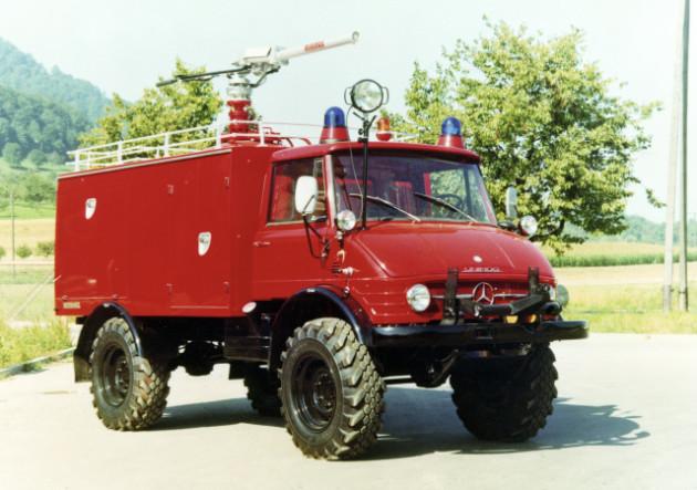 Unimog Baureihe 416 Trockenlöschfahrzeug TroLF 1000 mit Minimax Aufbau für den Flughafen in Essen/Mühlheim