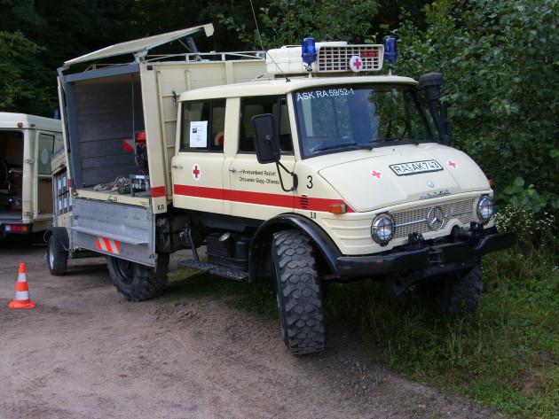 Dieser Unimog 416 der DRK-Bereitschaft Gaggenau-Ottenau mit einer Doppelkabine und einem geschlossenen Aufbau als Gerätewagen war ursprünglich ein Erprobungsfahrzeug von Mercedes-Benz.   Foto: Carl-Heinz Vogler