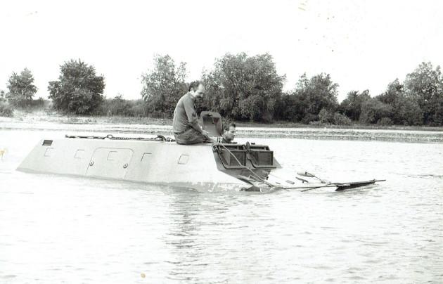 UCOM schwimmender U 416 4
