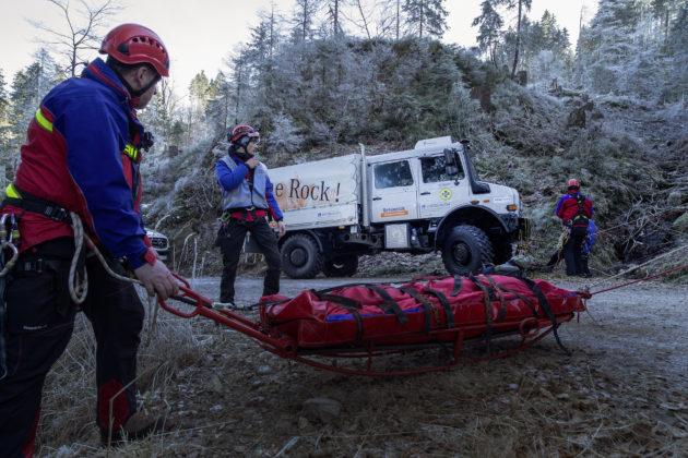 Mercedes-Benz Special Trucks übergibt einen Unimog U 4000 Doppelkabine an die Bergwacht Schwarzwald. // Mercedes-Benz Special Trucks hands over a Unimog U 4000 with double cab to the Black Forest mountain rescue service.